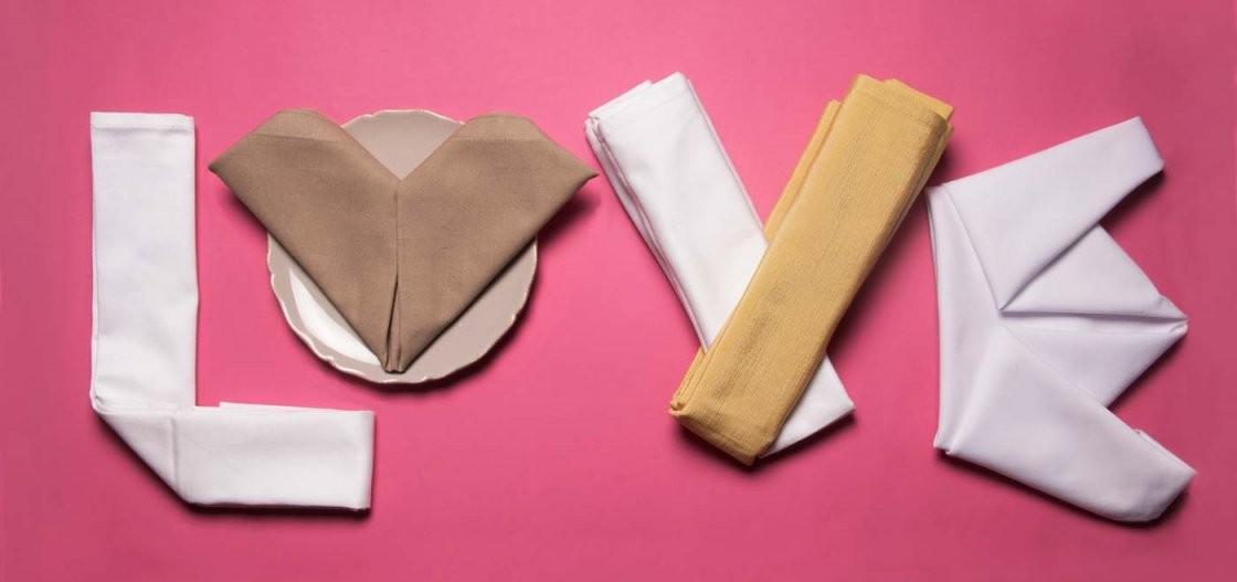 Servietten Falten Für Die Hochzeit – Top 10 Ideen Tipps  Beispiele von Servietten Falten Blume Anleitung Bild