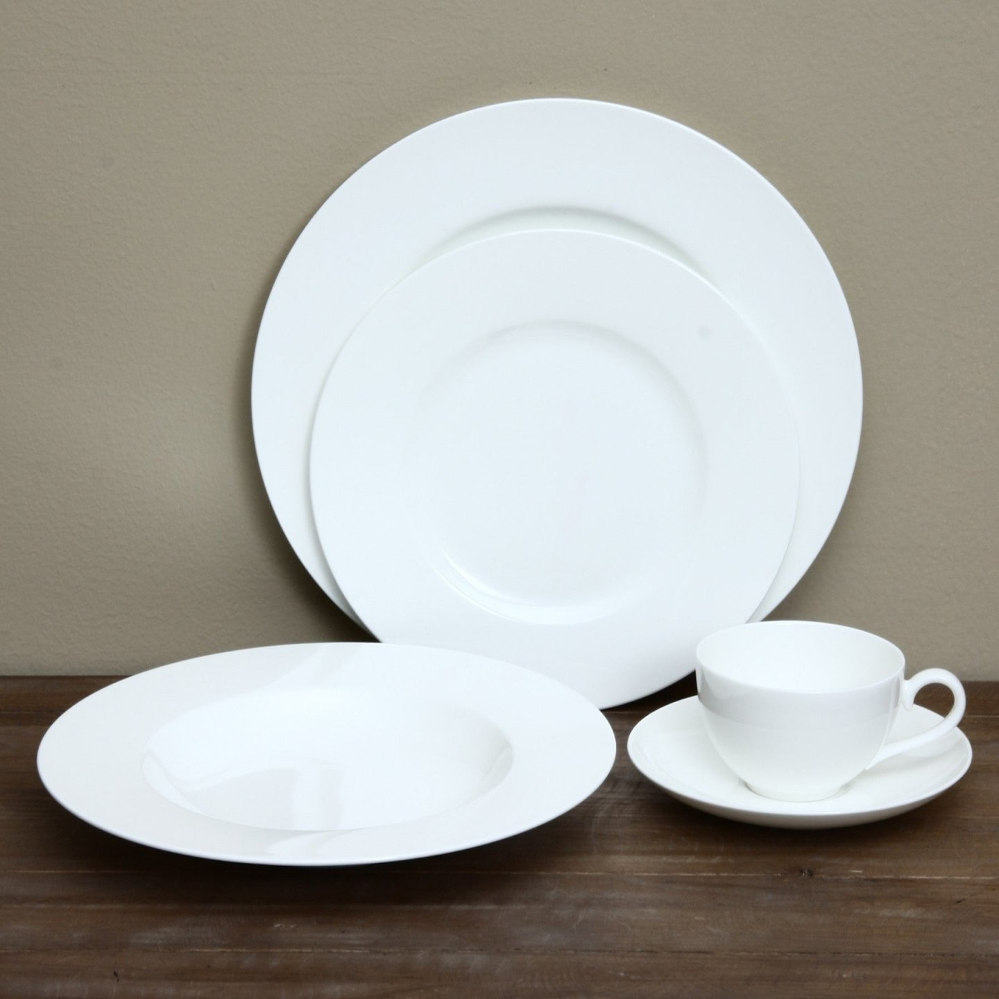 Shop Villeroy  Boch Royal 30Piece Dinnerware Set  Free Shipping von Villeroy Boch Royal Basic Photo