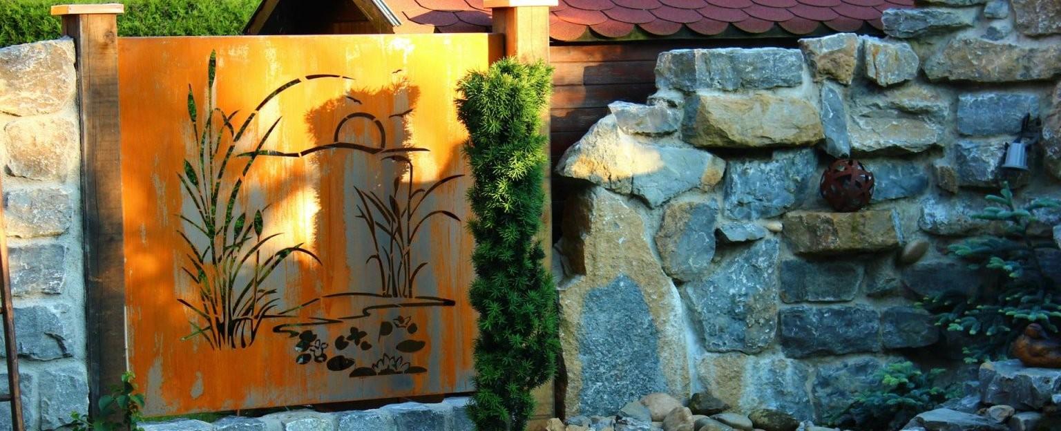 Sichtschutz Aus Metall Ganz Individuell  Tiko Metalldesign von Sichtschutz Garten Metall Rost Bild