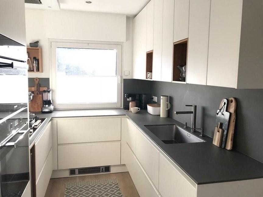 So Viel Licht ☀ Küche Kleineküche Griffloseküche  Küche von Kleine Schmale Küche Einrichten Photo
