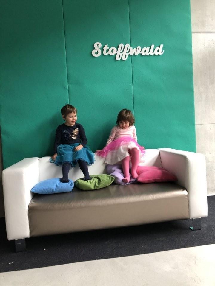 Sofa Selbst Neu Beziehen Mit Kunstleder  Stoffwald von Sofa Selbst Neu Beziehen Photo