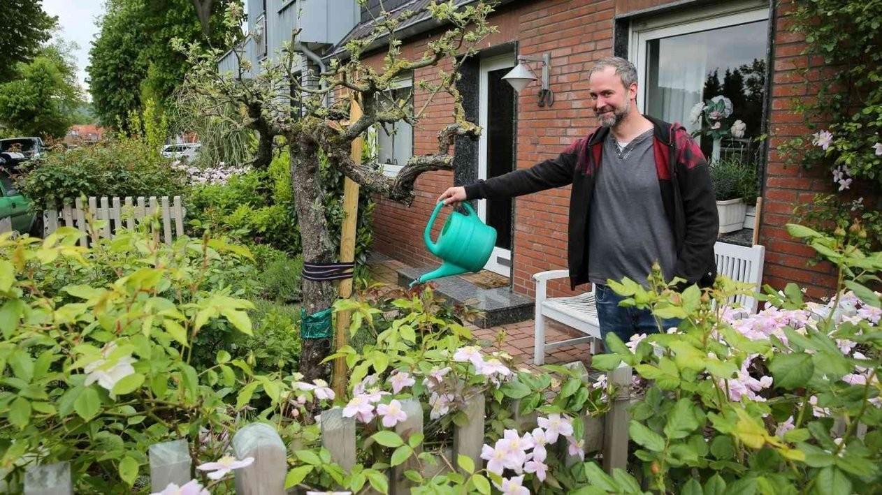 Stadt Grevenbroich Will Grün Statt Schotter In Vorgärten von Garagenzufahrt Gestalten Mit Kies Oder Schotter Bild