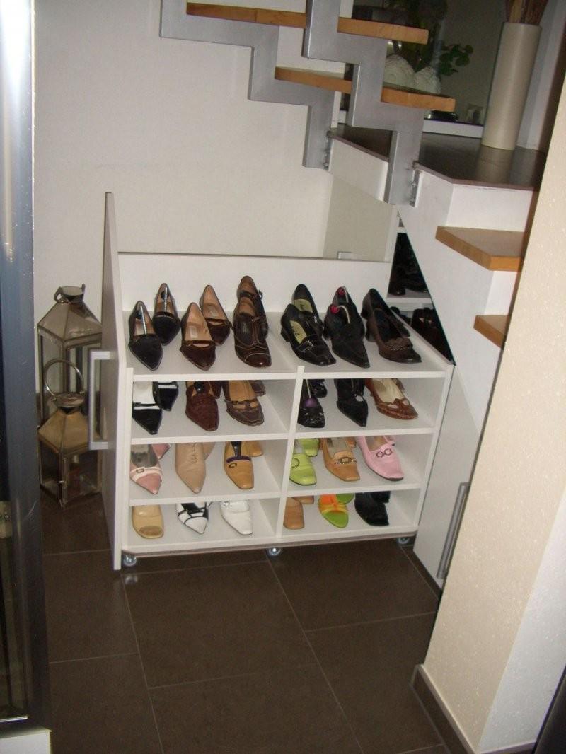 Stauraum Schaffen  Schuhschrank Unter Der Treppe Eingebaut Und Hier von Schuhschrank Unter Der Treppe Bild