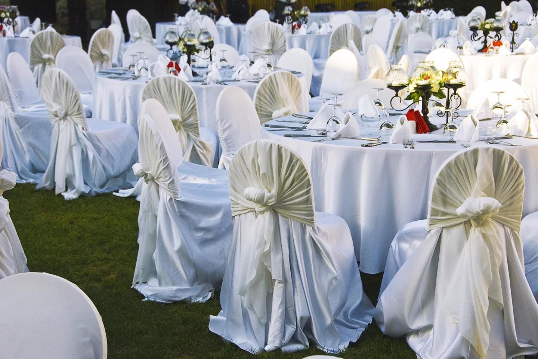 Stuhlhussen Für Die Hochzeit Hier Könnt Ihr Sie Günstig Kaufen von Stuhlhussen Stretch Günstig Kaufen Bild
