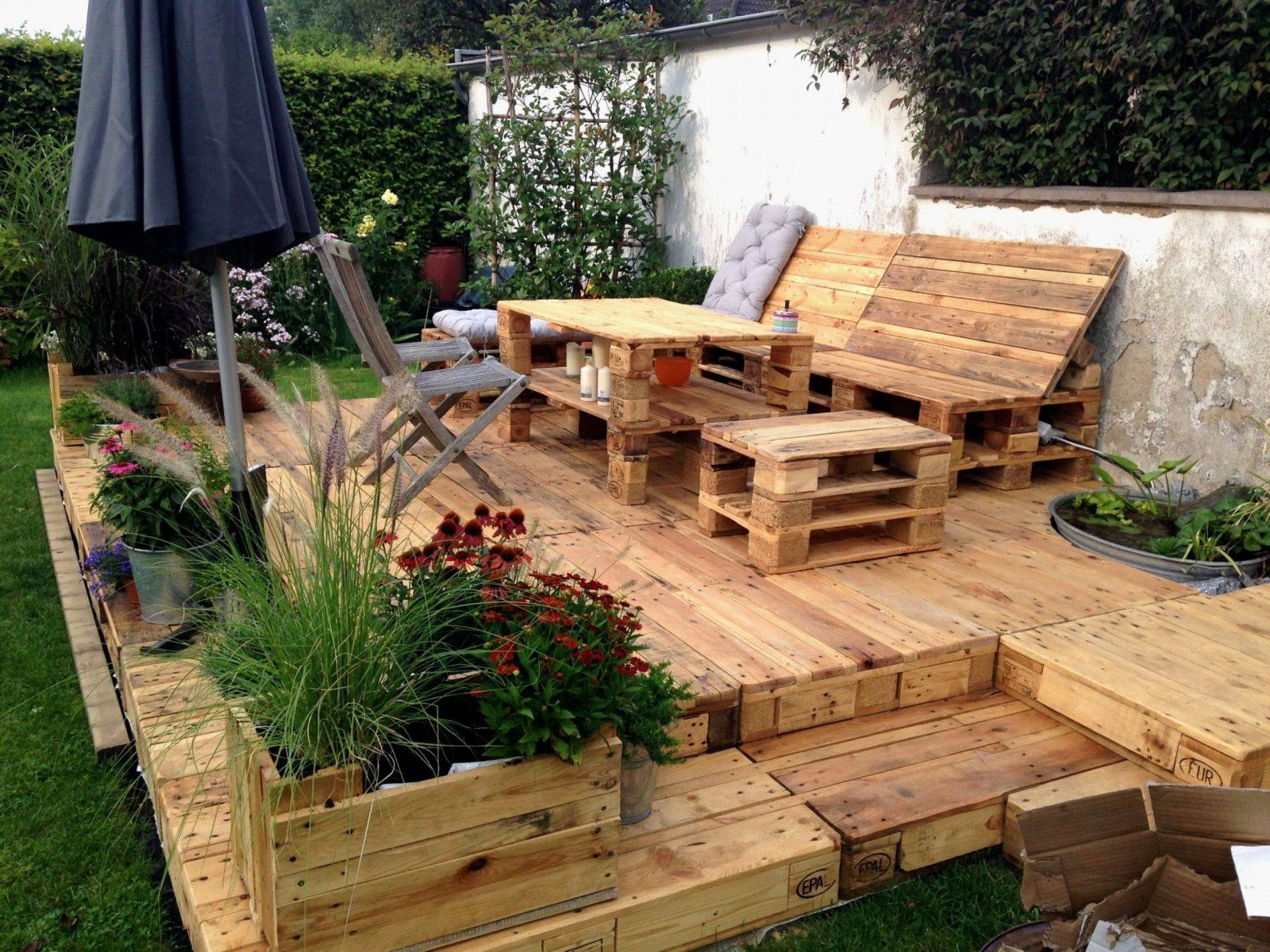 Terrasse Mit Stufen Zum Garten Frisch Terrassen Treppen Selber Bauen von Freitragende Treppe Selber Bauen Photo