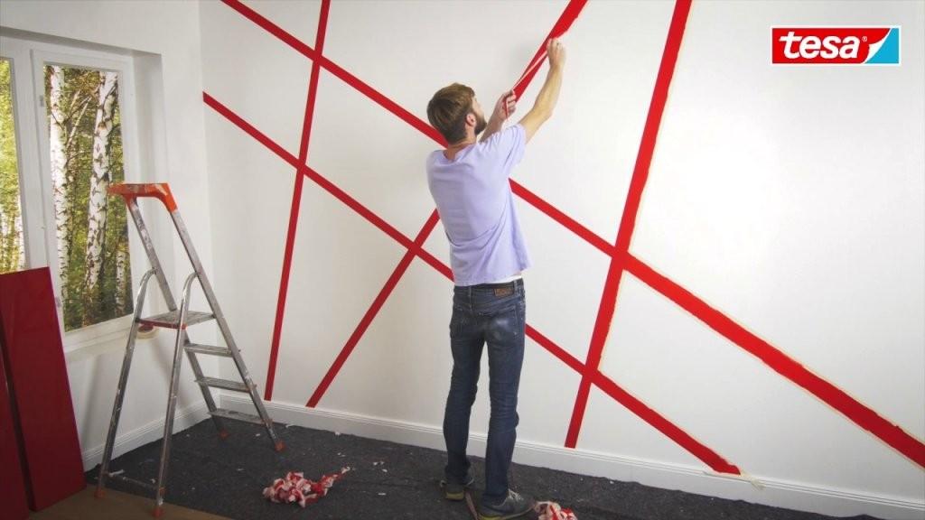 Tesa Diytipp Moderne Wandgestaltung Mit Abklebetechnik  Youtube von Wand Streichen Muster Abkleben Photo