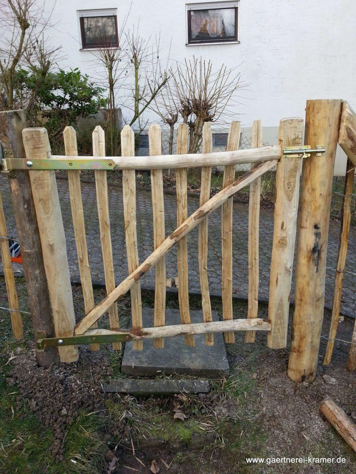 Tor Selber Bauen Holzzaun Tor F R Sichtschutz Garten Ideen Mit von Staketenzaun Tor Selber Bauen Photo