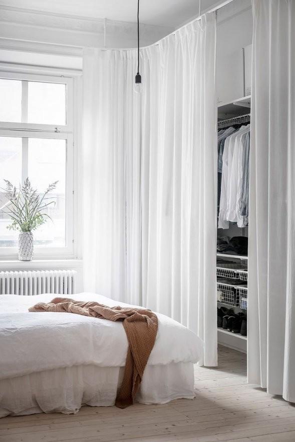 Tour A Bright Swedish Apartment With A Minimalistic Feel von Offener Schrank Mit Vorhang Bild