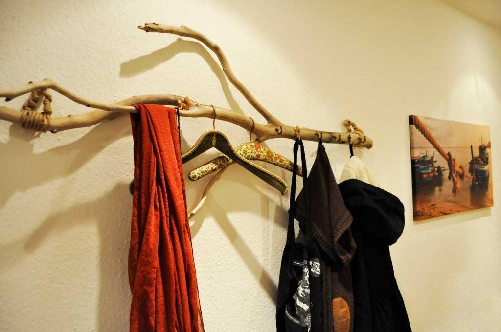 Treibholzeffekt  1 Treibholz  1 Garderobe  Viele Stile von Holz Garderobe Selber Machen Bild