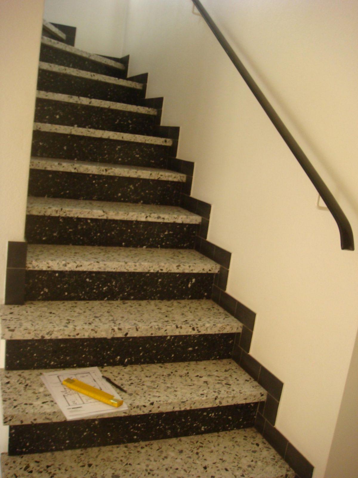 Treppe Aus Granitstein Streichen  Umbauen Und Renovieren von Treppe Streichen Welche Farbe Photo