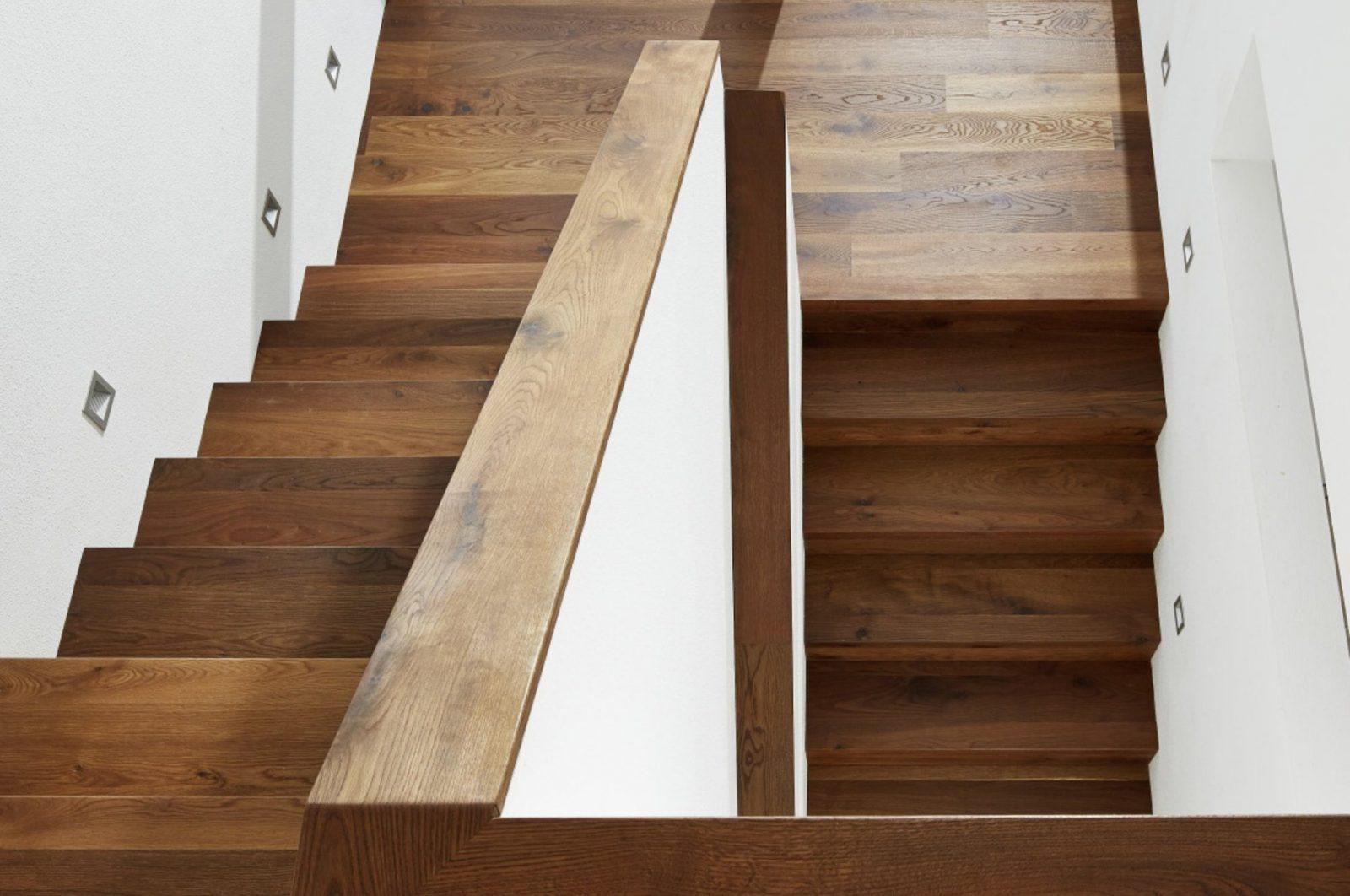 Treppen  Tilo von Vinyl Auf Treppe Verlegen Photo