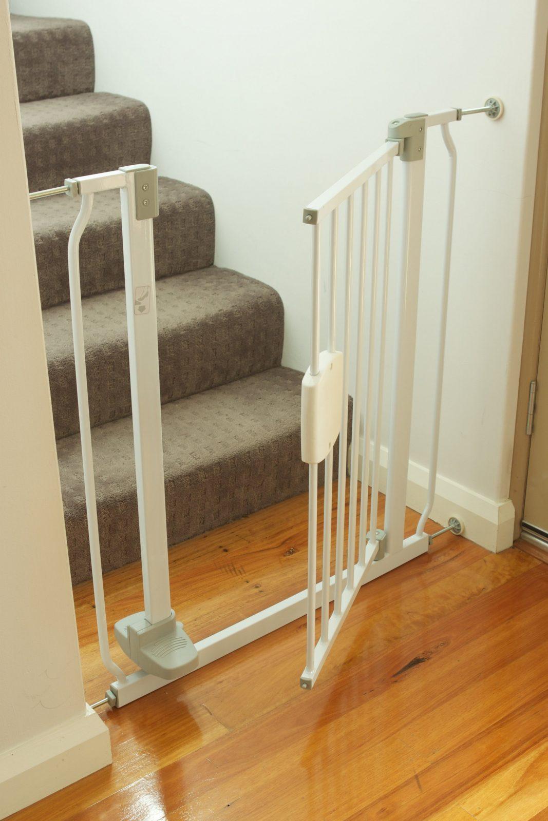 Treppenschutzgitter Test  Vergleich 2019  Heimwerker von Kindersicherung Treppe Selber Bauen Photo