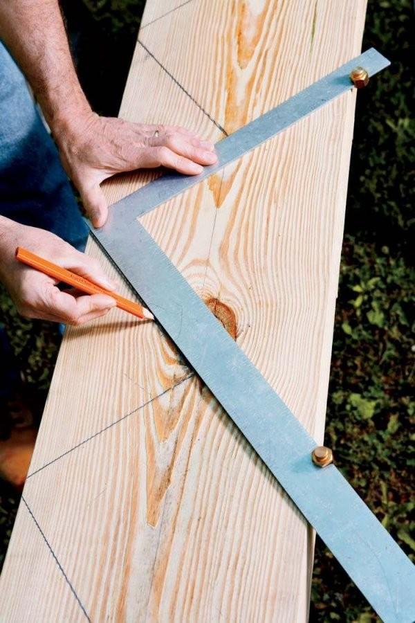 Treppenwangen Messungen Mit Bleistift Auf Holzbrett Markieren  Diy von Holztreppe Selber Bauen Anleitung Photo