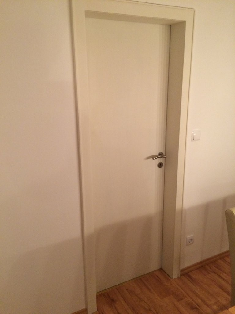 Türen Lackieren  Anleitung Alte Türen Weiss Streichen  Diy von Türen Lackieren Ohne Schleifen Photo