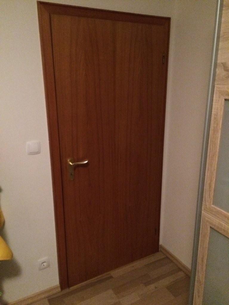 Türen Lackieren  Anleitung Alte Türen Weiss Streichen  Diy von Türen Streichen Ohne Schleifen Photo