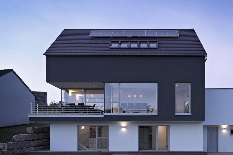 Untergeschoss In Kombination Mit Hang Und Balkon  Architecture von Einfamilienhaus Am Hang Grundrisse Photo