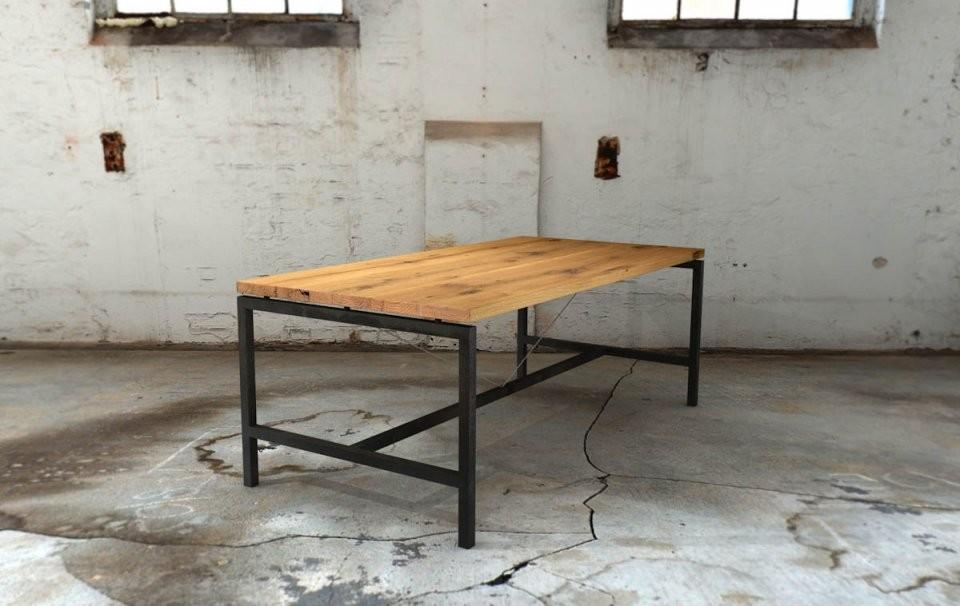 Upcycling Ideen Für Tische  Tischblog von Tisch Mit Metallgestell Und Holzplatte Bild