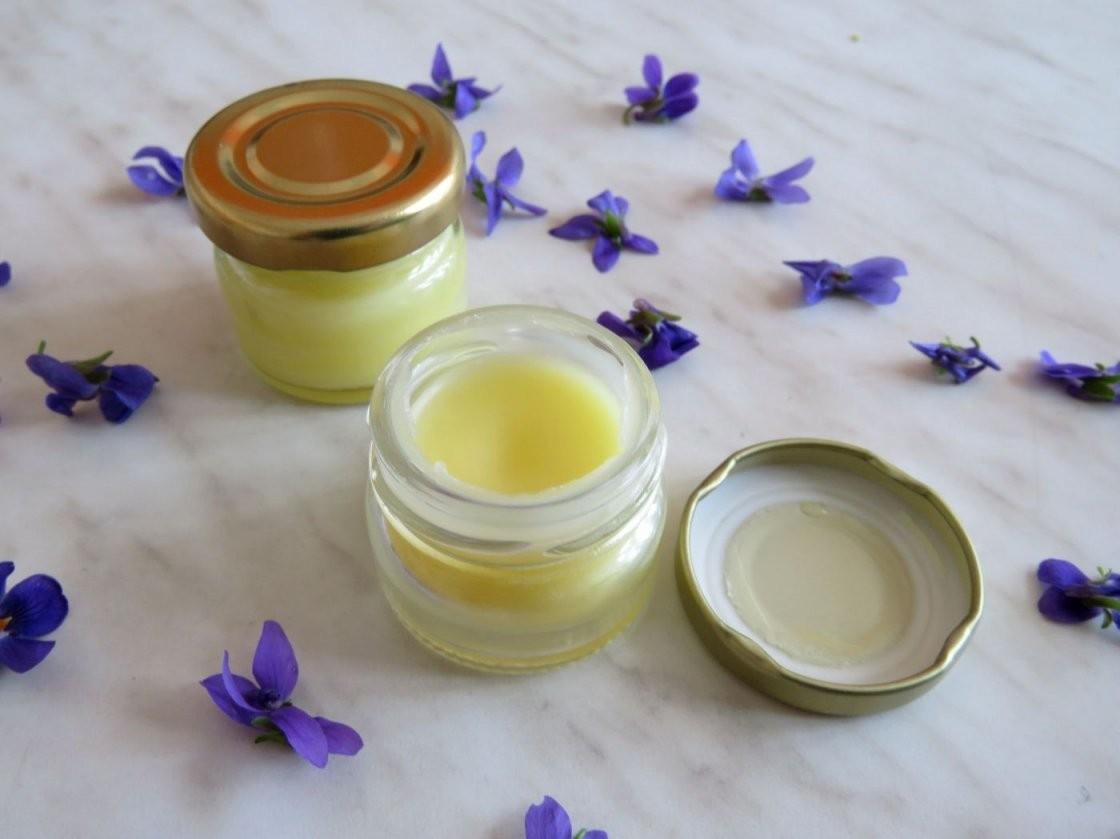 Veilchensalbe Ganz Einfach Selbst Machen Foto Die Umweltberatung von Lavendel Creme Selber Machen Bild