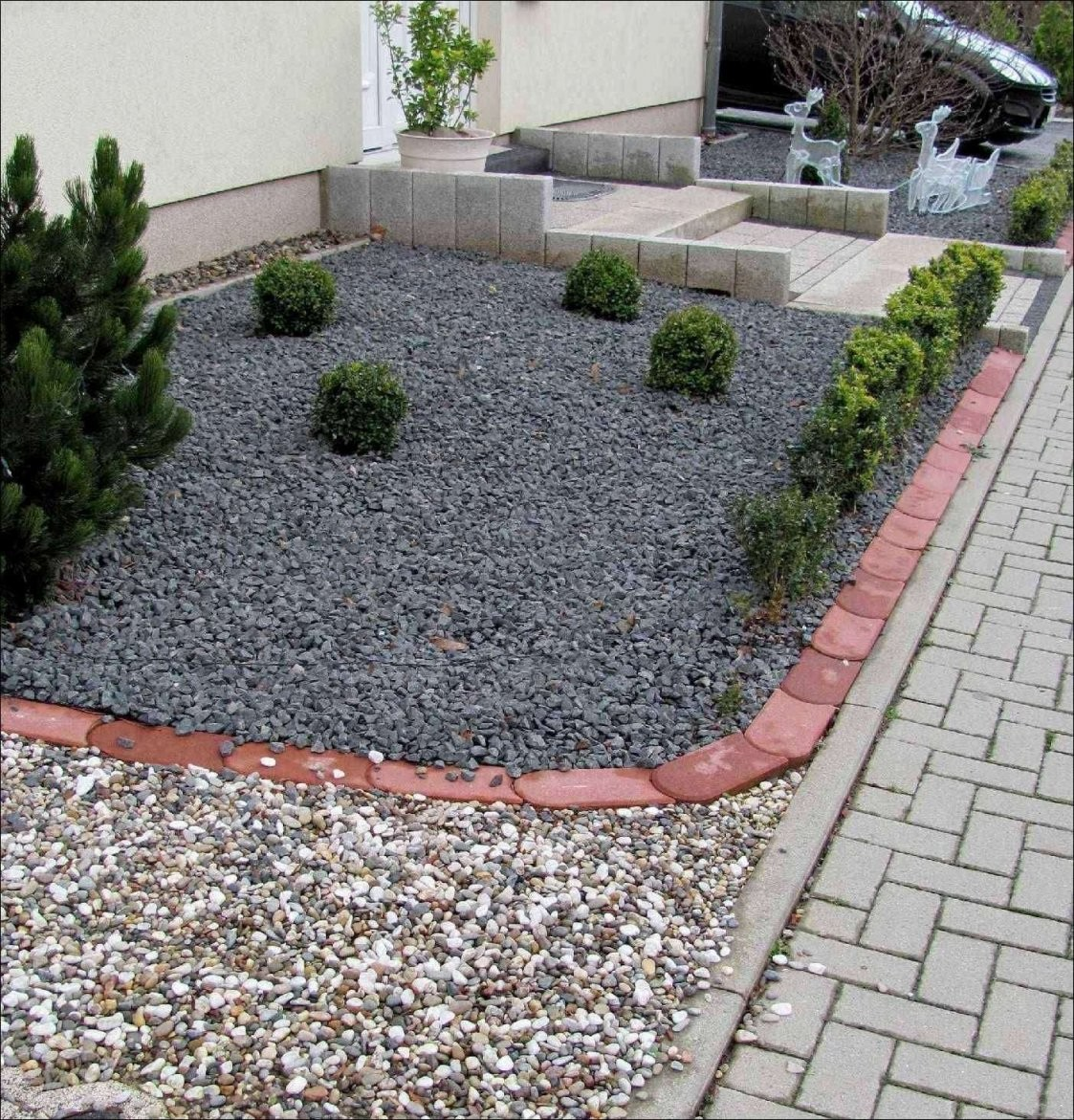 Vorgarten Gestalten Mit Kies Vorstellung Vorgarten Mit Steinen von Beet Mit Kies Gestalten Photo