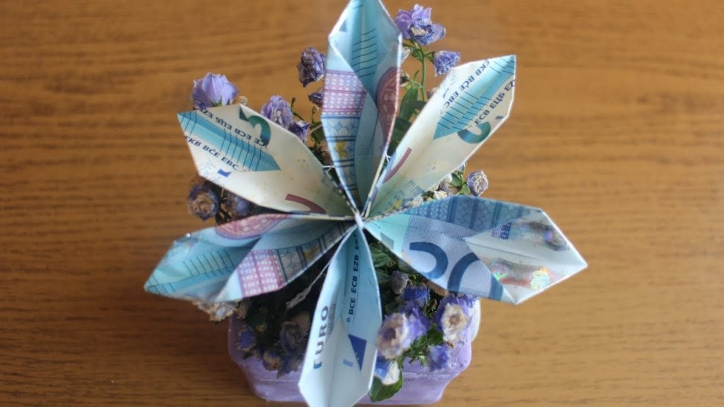 W+ Geldscheine Falten 'blume' Für Geldgeschenke  Youtube von Blumen Falten Aus Geldscheinen Photo