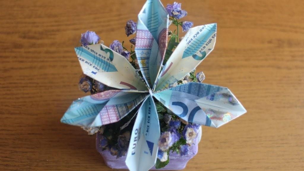 W+ Geldscheine Falten 'blume' Für Geldgeschenke  Youtube von Geldscheine Falten Blume Mit Einem Schein Photo