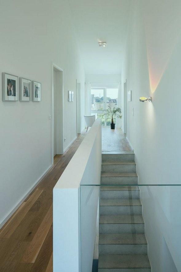 Wandgestaltung Flur Mit Treppe Perfekt Die Besten 17 Ideen Zu von Farbgestaltung Flur Mit Treppe Photo