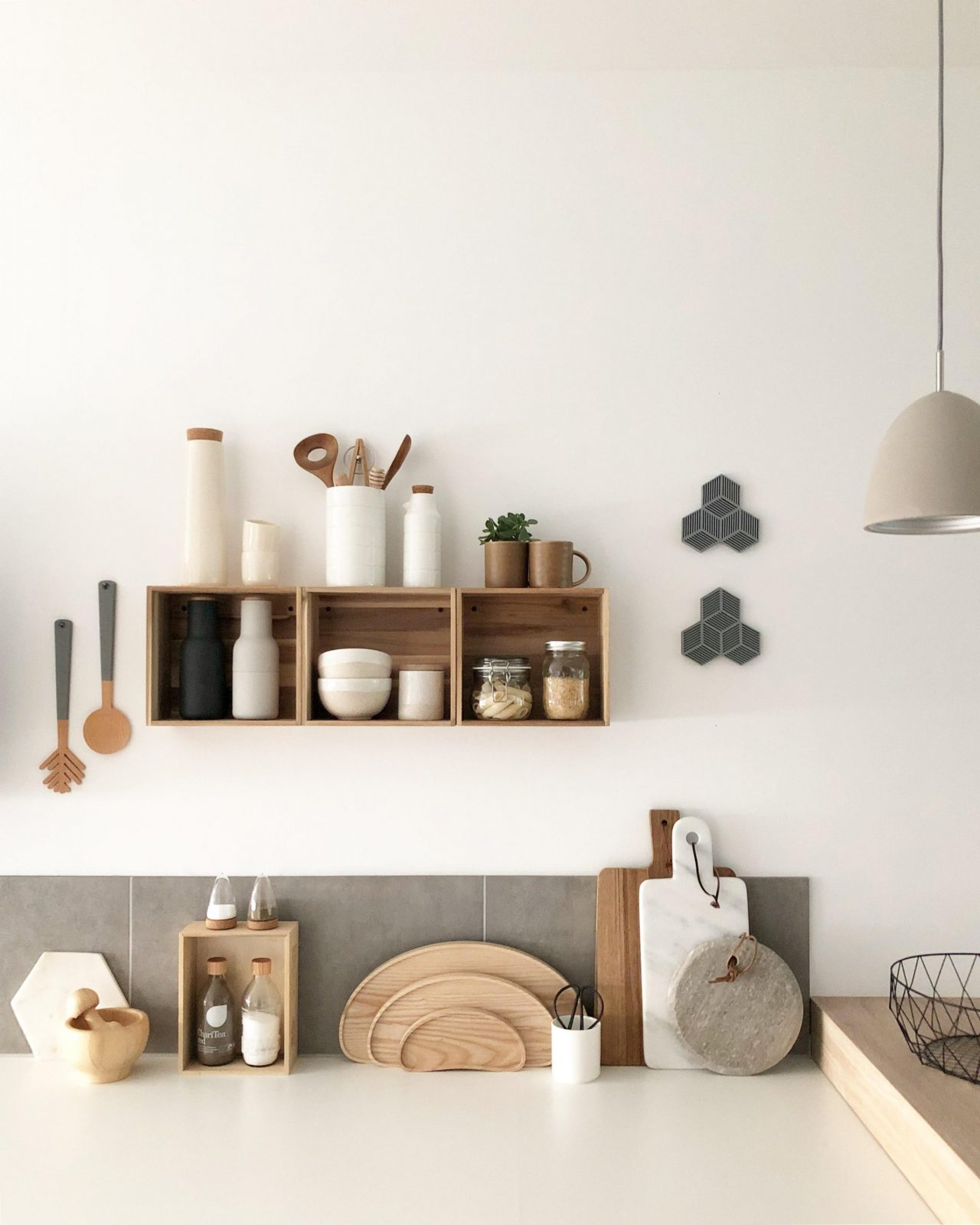 Wandregal Ideen So Schaffst Du Dekorativen Stauraum von Ikea Wandregal Weiß Küche Photo