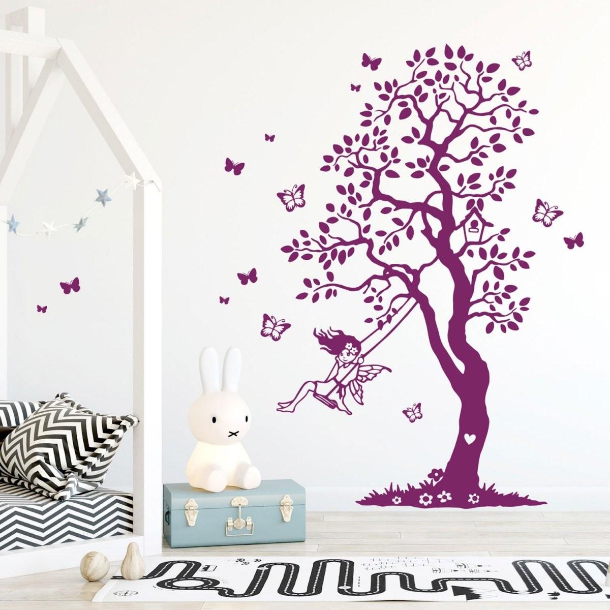 Wandtattoo Baum Elfe Fee Auf Schaukel  Schmetterlinge Kinderzimmer von Wandtattoo Baum Kinderzimmer Xxl Photo