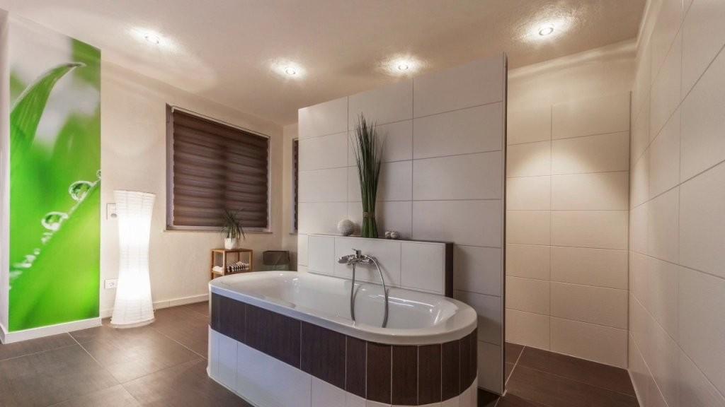 Was Kostet Eine Badezimmer Renovierung Eine Bad Sanierung   Youtube von Bad Selber Renovieren Kosten Photo