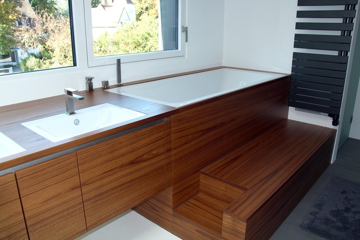 Waschbademobiliar Teakholz  Tischlermeister Philip Späth In von Badewanne In Holz Einfassen Bild