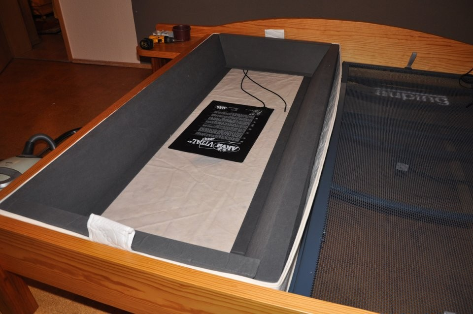 Wasserbett Und Matratze In Einem Bett Kombinieren  Bettenstumpf Kg von Wasserbett Kopfteil Selber Bauen Bild