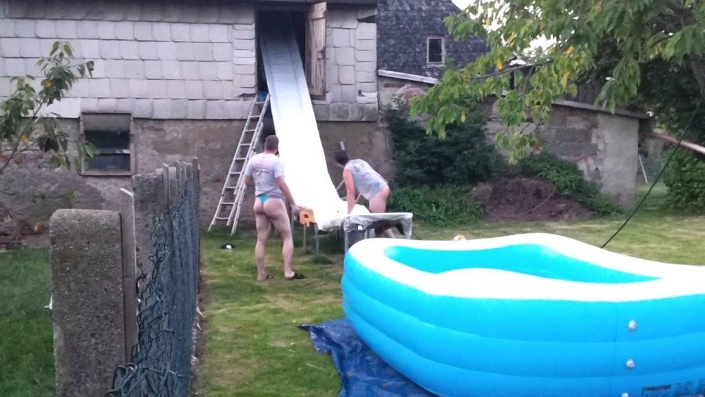 Wasserrutsche Marke Eigenbau  Youtube von Pool Rutsche Selber Bauen Bild