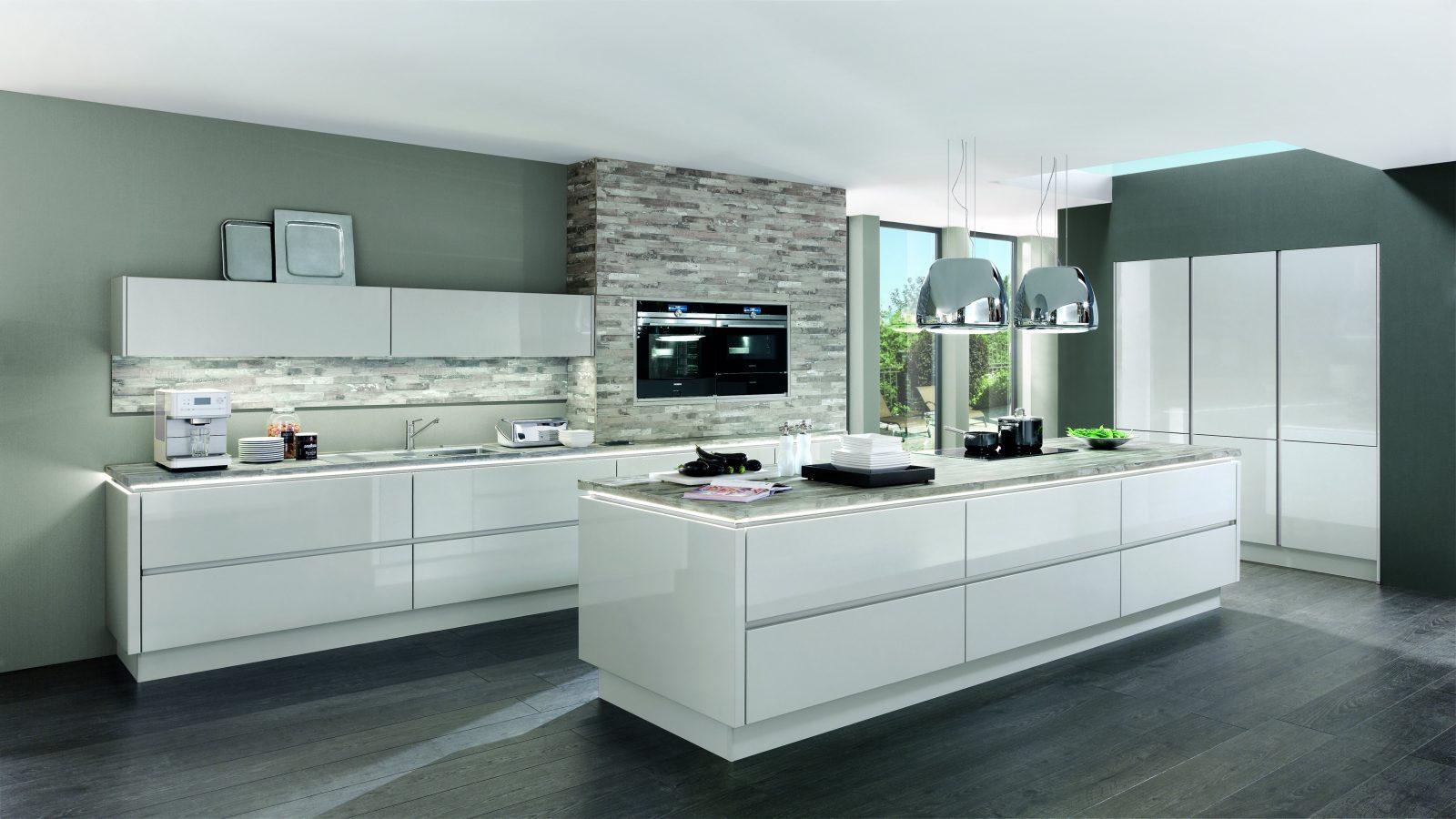 Weiße Küchen  Küchentrends In Weiß  Kücheco von Weiße Küche Mit Weißer Arbeitsplatte Photo