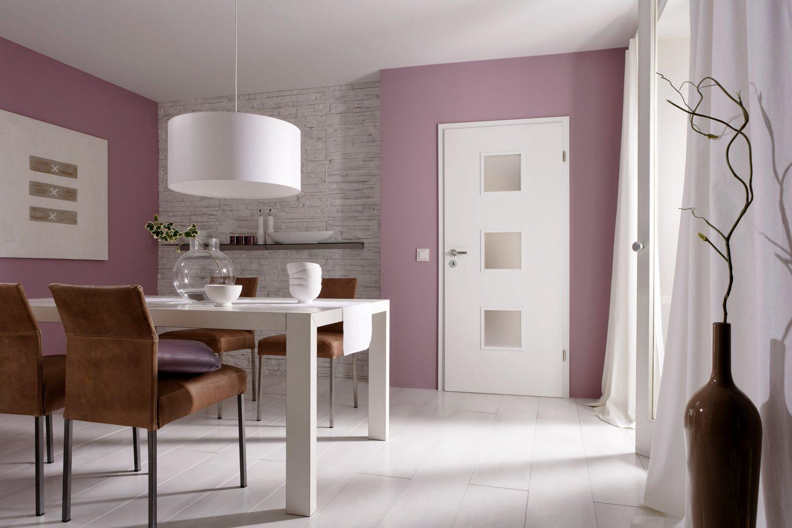 Weiße Wohnraumtüren – Eine Farbe Tausende Gestaltungsmöglichkeiten von Wandfarbe Zu Weißen Möbeln Photo