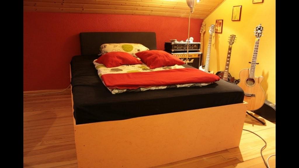 Wie Baut Man Sich Ein Bett Selbst  Youtube von Wasserbett Kopfteil Selber Bauen Photo