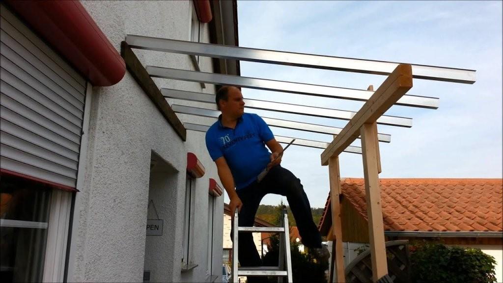 Wie Plant Man Ein Vordach An Der Haustür  Youtube von Vordach Selber Bauen Bauanleitung Bild