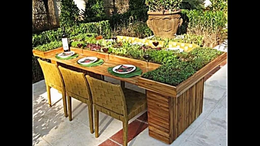 Wie Sie Tisch Aus Europaletten Selber Bauen Und Dann Bepflanzen von Esstisch Aus Paletten Selber Bauen Anleitung Photo