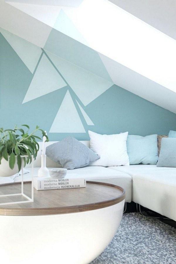 Wohnzimmer Mit Dachschräge Und Interessante Wandgestaltung von Jugendzimmer Mit Dachschräge Einrichten Bild