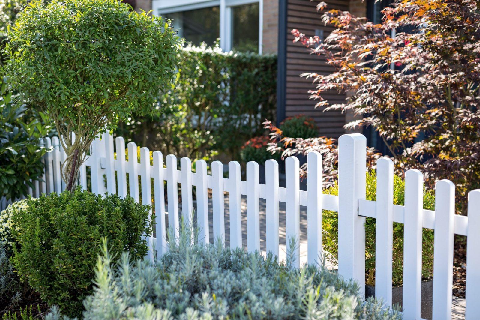 Zaunarten Im Vergleich – Den Richtigen Zaun Finden  Obi von Kleiner Zaun Für Vorgarten Bild
