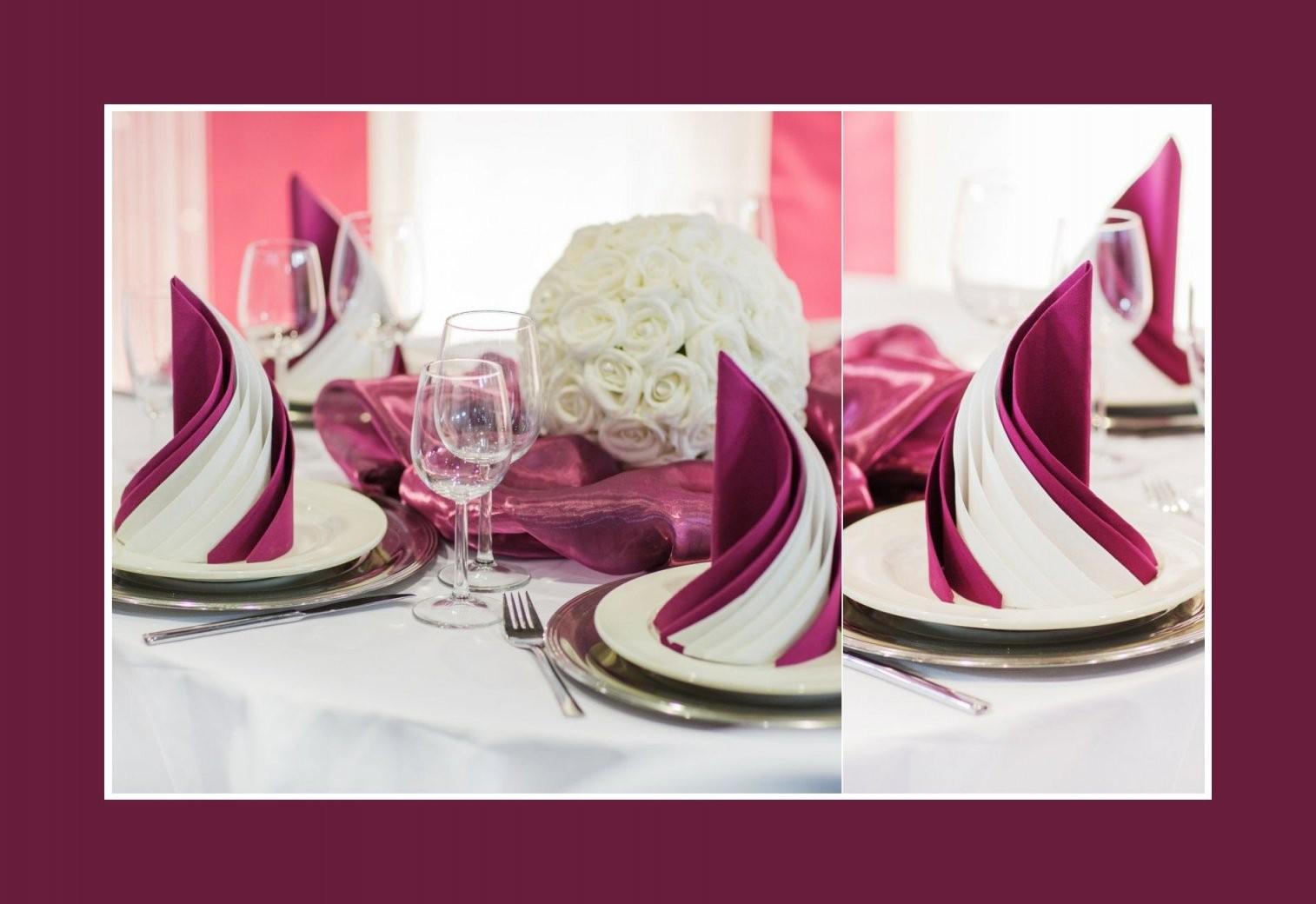 Zwei Servietten Miteinander Falten Servietten In Bordeauxweiß von Servietten Falten Hochzeit Anleitung Bild