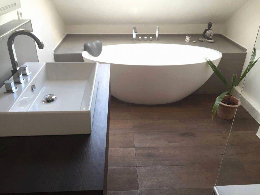 Halb Freistehende Badewanne Inspirierend Freistehende von Freistehende Badewanne Im Schlafzimmer Photo