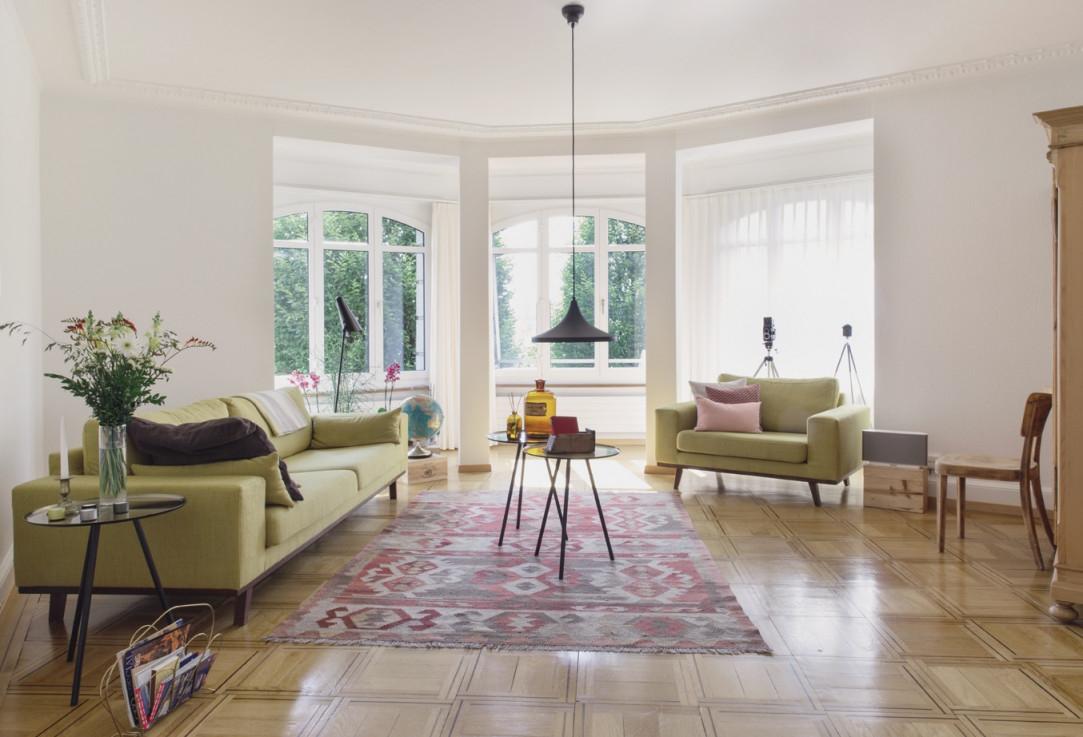 10 Ideen Für Schönere Wohnzimmer  Sweet Home von Wohnzimmer Mit Vielen Fenstern Einrichten Bild