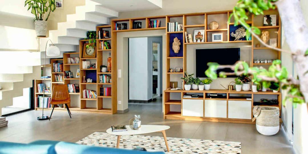 5 Tipps Wie Sie Den Stauraum Unter Der Treppe Effektiv Nutzen von Wohnzimmer Mit Treppe Einrichten Photo