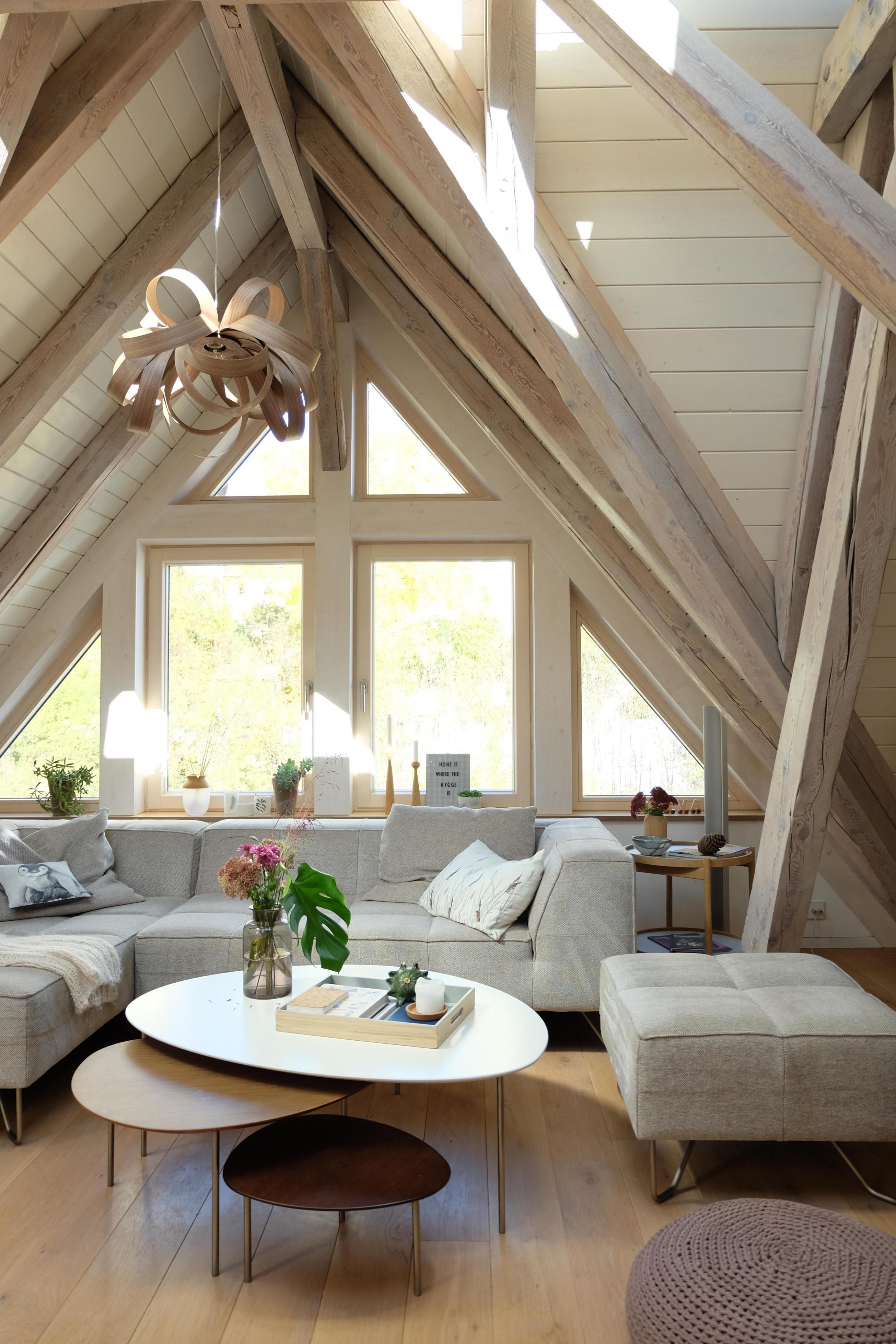Dachgeschoss • Bilder  Ideen • Couch von Dachgeschoss Wohnzimmer Ideen Photo