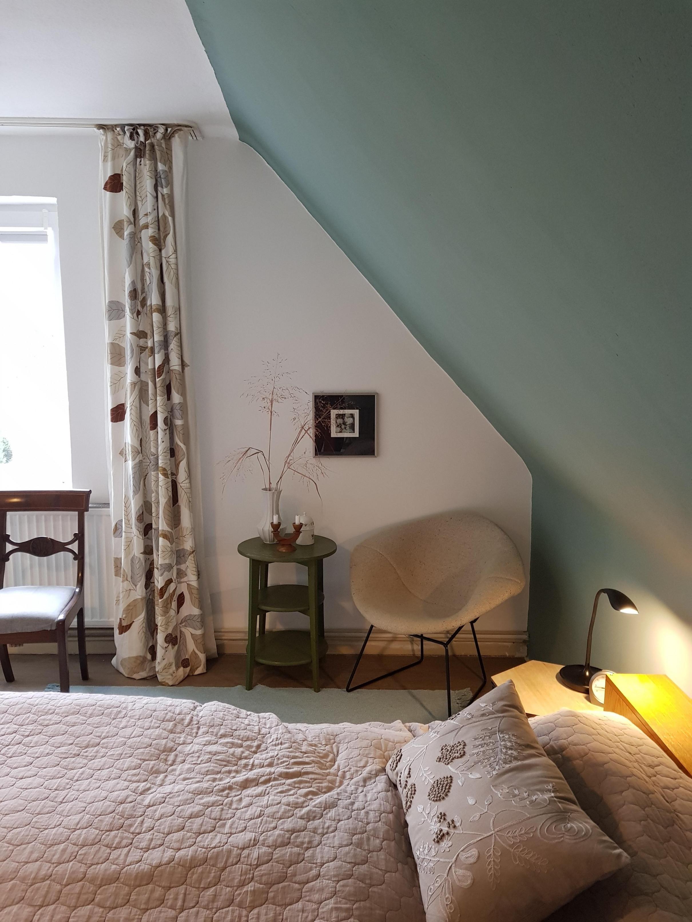 Dachschrägen Platz Optimal Ausnutzen So Geht's von Wohnzimmer Mit Dachschräge Einrichten Photo