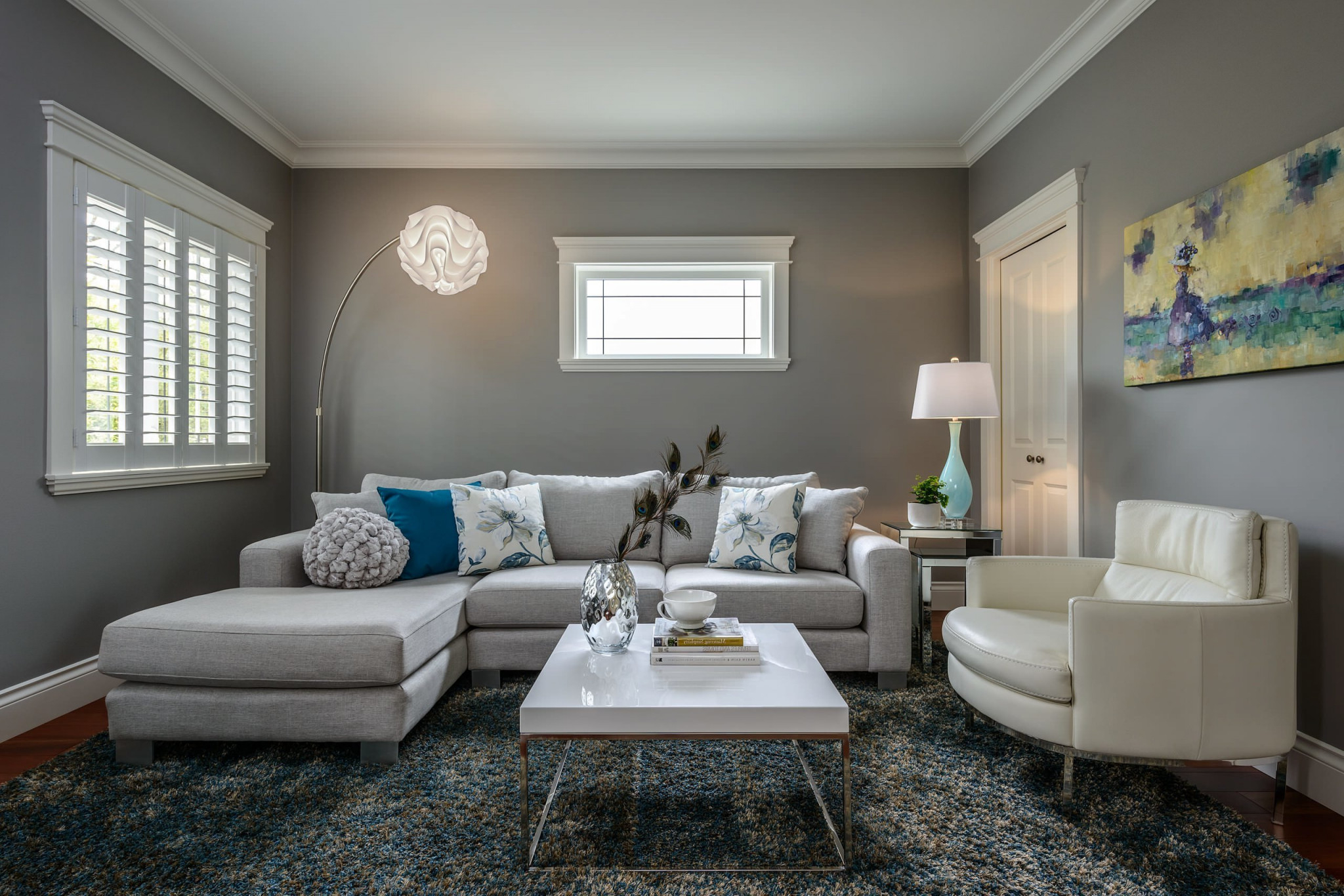Das Wohnzimmer Grau Machen 101 Ideen Für Einen Modernen von Wohnzimmer Grau Gestalten Bild