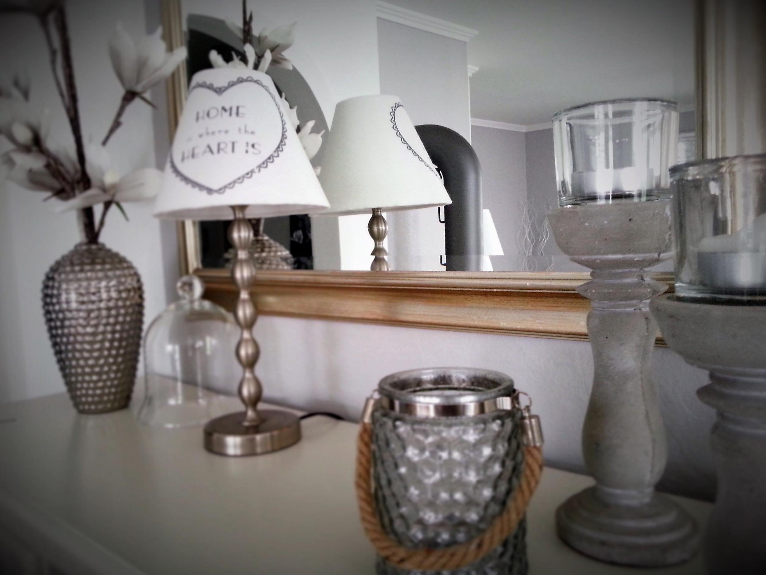 Deko In Weiß  Silber  Beton  Schöne Zuhause Zuhause Und Deko von Wohnzimmer Deko Weiss Silber Photo