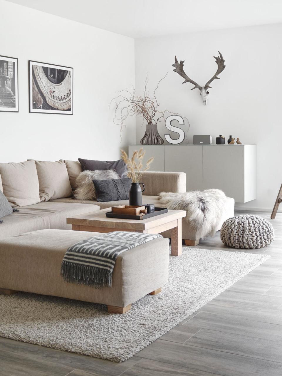Dekoration  Wandschrank Im Wohnzimmer  Mxliving von Suche Deko Für Wohnzimmer Photo