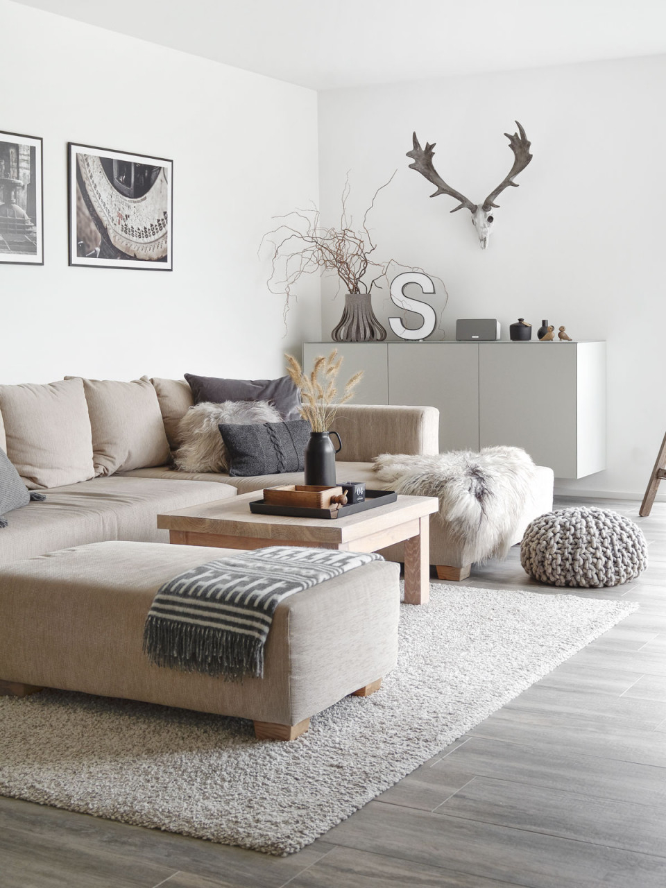 Dekoration Wandschrank Im Wohnzimmer Mxliving von ...