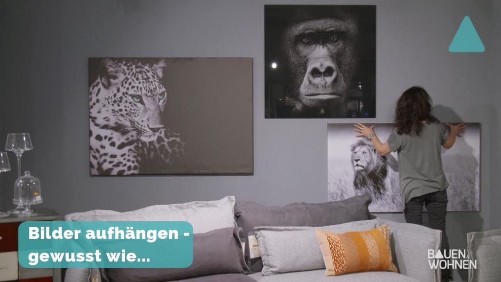 Dekotipp Bilder Richtig Aufhängen  Schwarz Weiß Fotos Im Wohnzimmer von Bilder Zum Aufhängen Im Wohnzimmer Bild